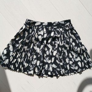 Banana Republic flare pleated skirt